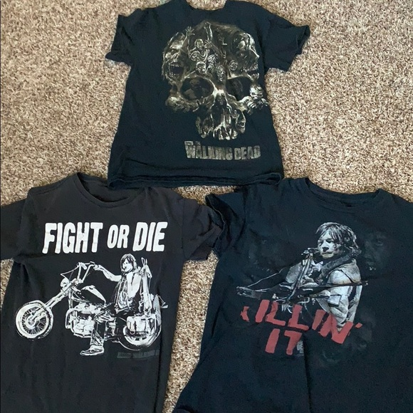 Other - Lot of 3 'The Walking Dead' T-shirts boys